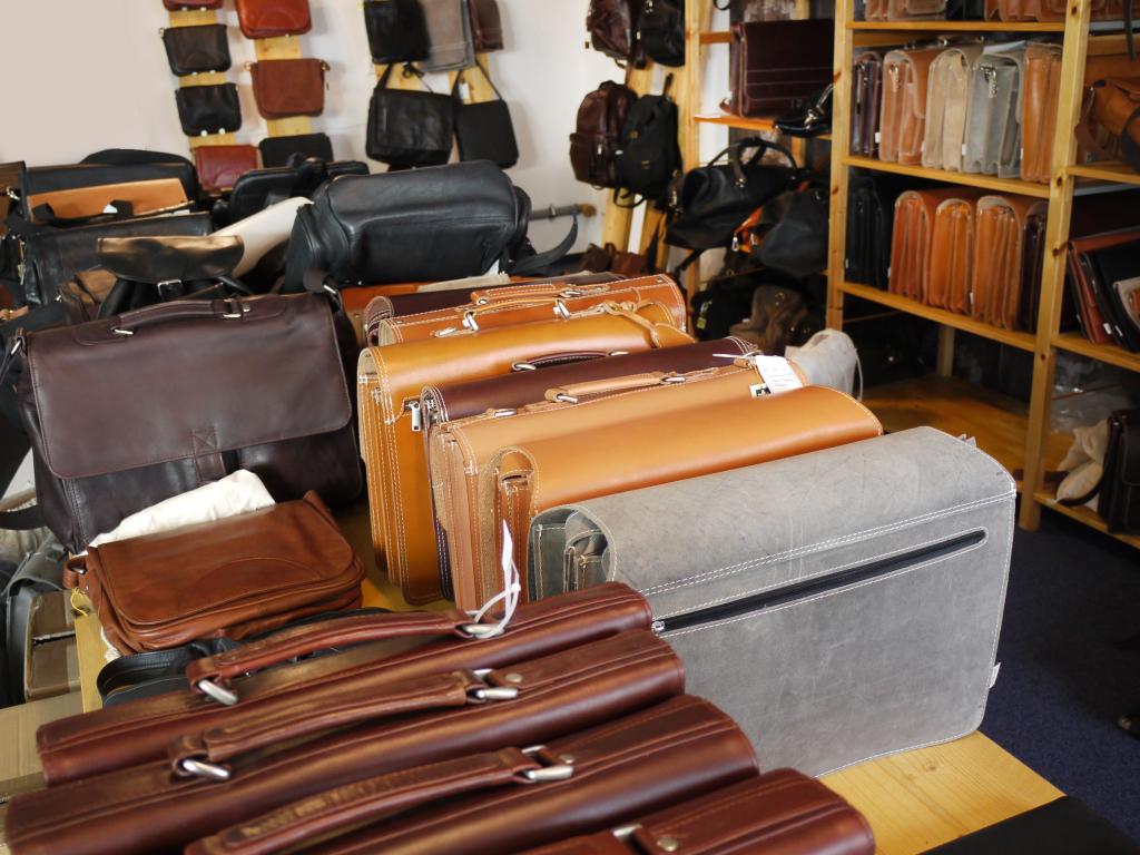 Taschen-Ausstellung im Sitz von Jahn-Lederwaren.